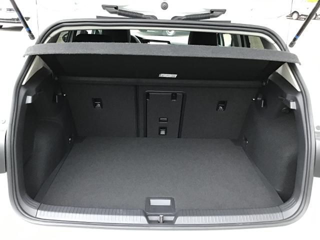 VW  Golf VIII LIFE 1.5TSI NP:35tEUR! SPORTSITZE,ACC,,