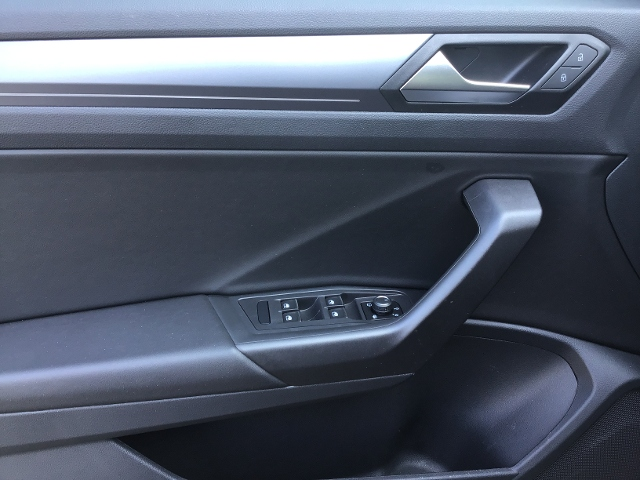 VW  T-Roc Cabriolet R-LINE BLACK STYLE 1.5TSI DSG AC,